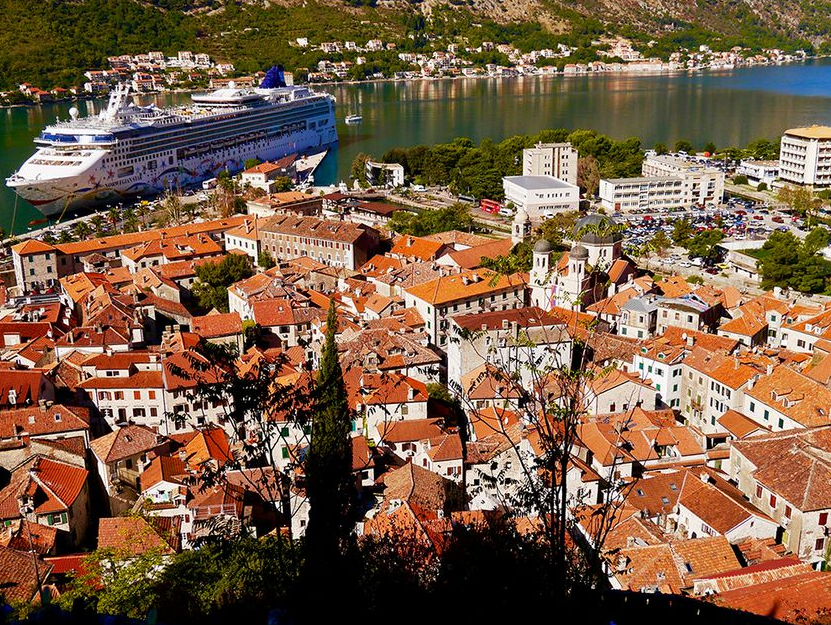 Azerbaijan in top-3 of main investors in Montenegro