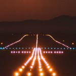 runway_lighting_darkness_138306_2560x1440